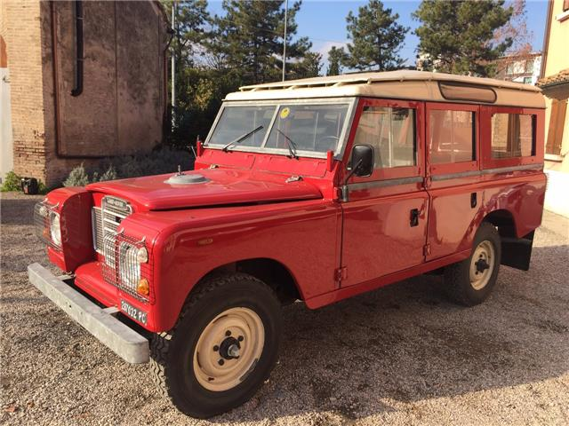 1981 LAND ROVER 109 LHD SAFARI