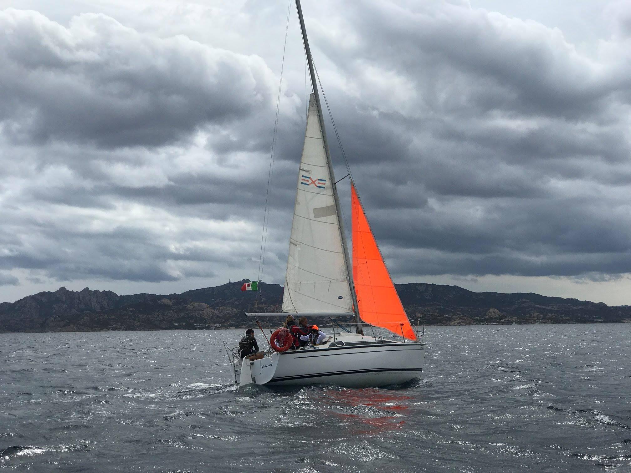 """CORSO DI VITA """"Pazienti a bordo"""" e imparare a navigare nel mare"""