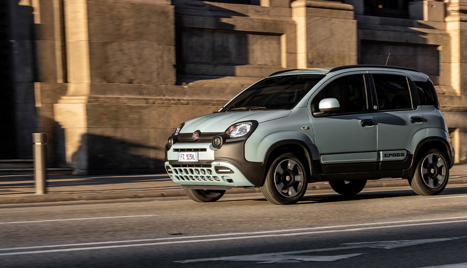 FIAT-Panda-hybrid-city-car-everybody-desktop-960x550jpg