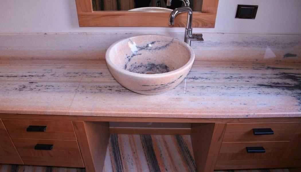 Produzione: lavabo, pavimenti, rivestimenti, piatto doccia, top ...