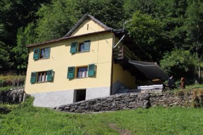 affittasi-a-trasquera-baita-casa-di-montagna-indipendente