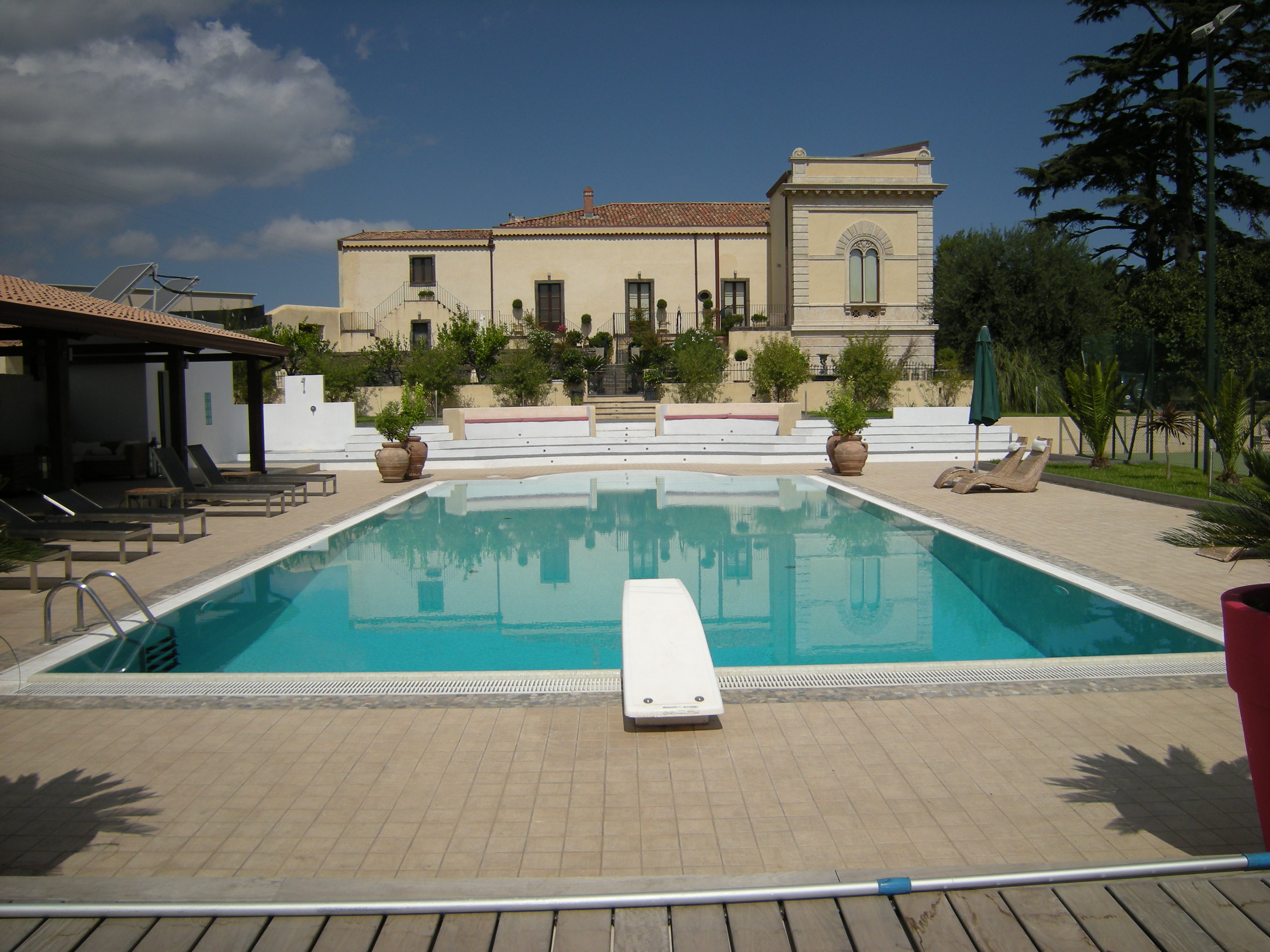 Wonderful Villa in Sicily at the foot of mount Etna in need of complete refurbishment and new pool.