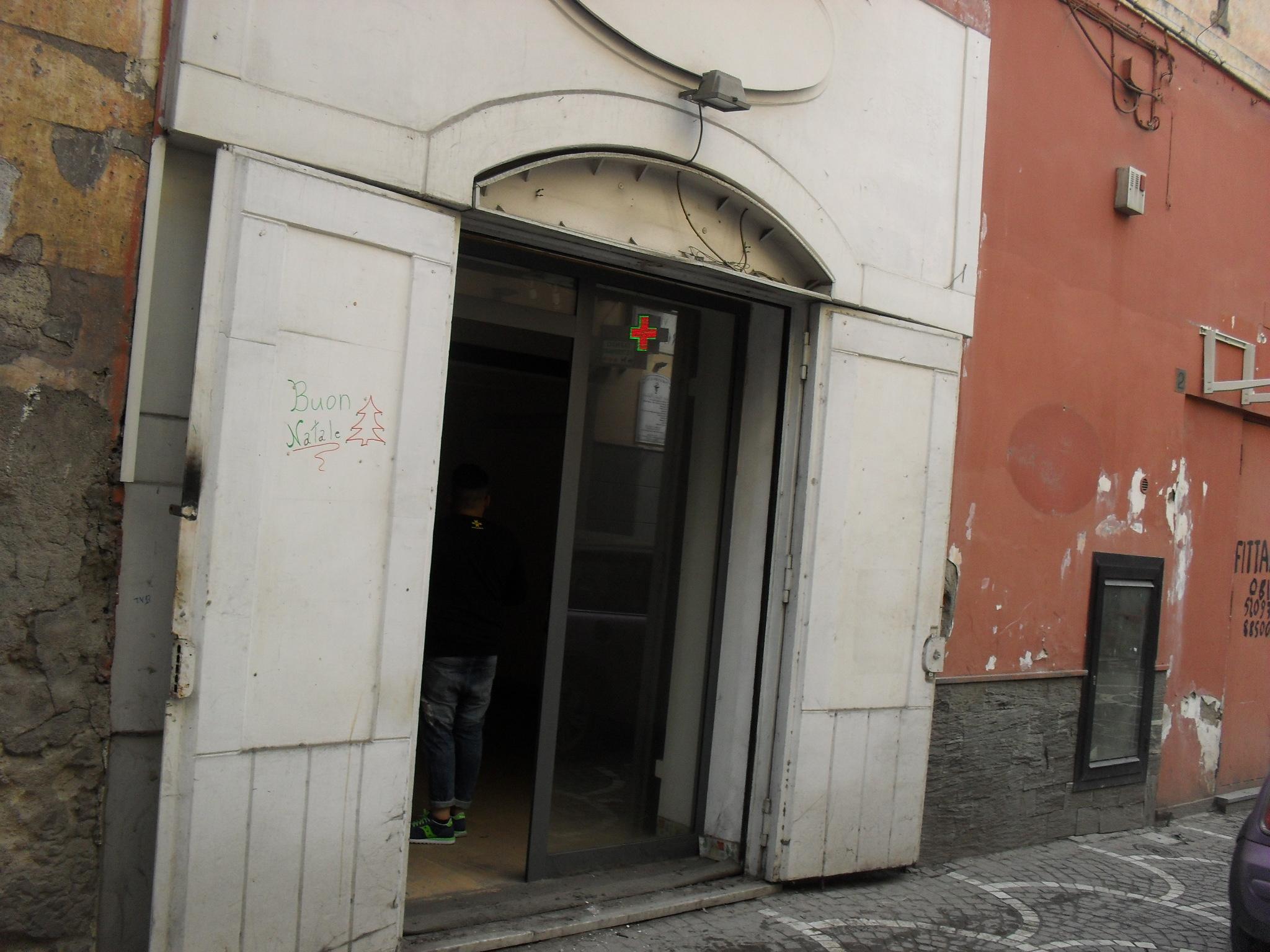 Locale via roma for Piano di deposito