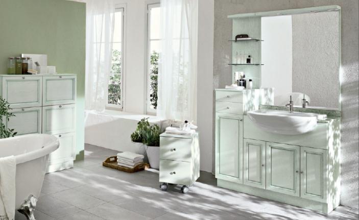 Bagno classico contemporaneo – Semplice e comfort in una casa di famiglia