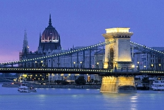 Chain Bridge - Budapest - on Spumarche.com