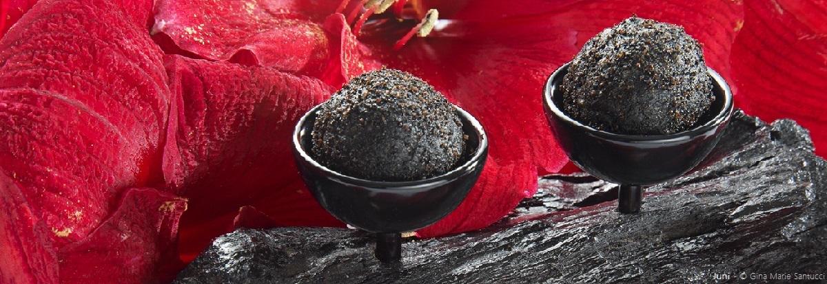 Spumarche _ Crocevia di Sapori _restaurant - Juny - Black truffles - © Ph. © Gina Marie Santucci scrizione immagine