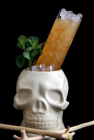 SPUMARCHE - Mixologia -  Skull  Bones Swizzle by Miguel Prez - Madrid - Spain