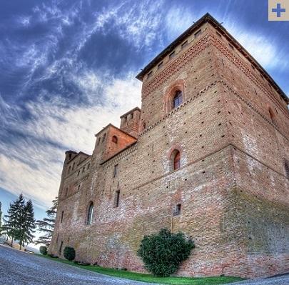 Spumarche - Explorer - Castello di Grinzane Cavour - Ph.© Edoardo Cicchetti →  Ente Turismo Alba-Bra-Langhe-Roero