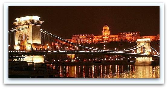 Spumarche - Mixologia - Budapest - Ponte delle Catene e Palazzo Reale