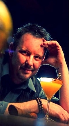 Spumarche - Mixologia - Bartender  Chris Milligan  Secreto Lounge  Don Gaspar Avenue