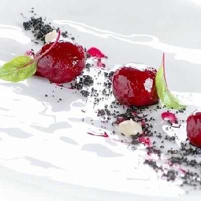 Spumarche_Gallery_Rosa_Alpina_St._Hubertus_Norbert_Niederkofler_Gnocchi di rapa rossa – ravanelli bianchi e rossi - terra di birra
