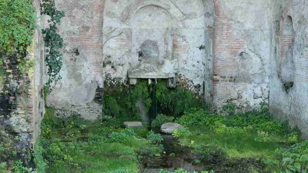 Ninfa egeria for Antica finestra a tre aperture