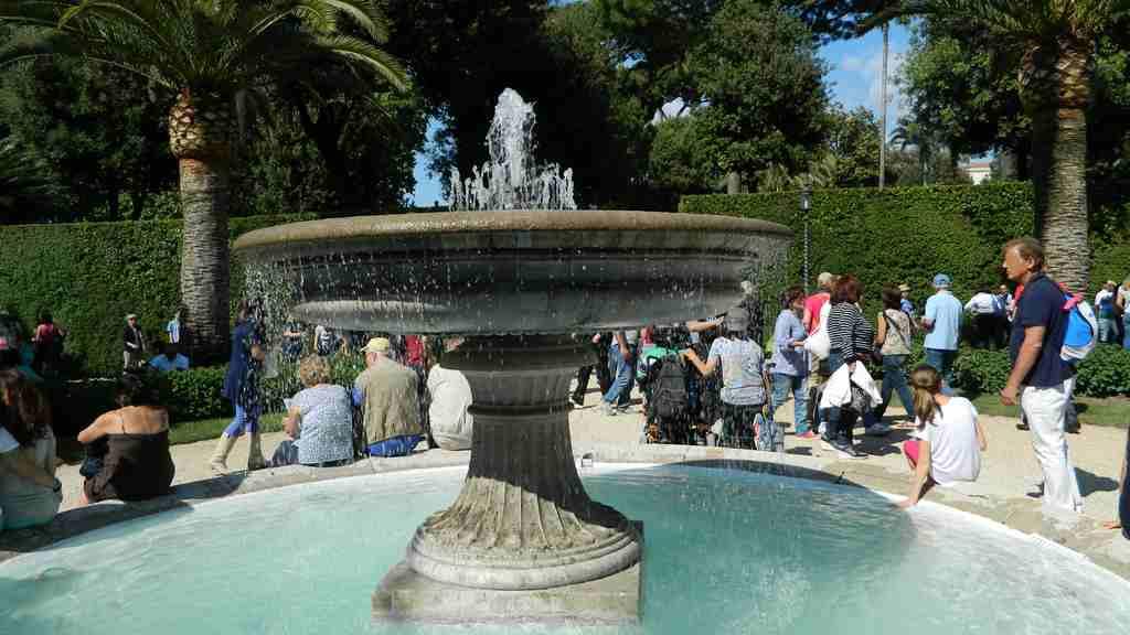 Fontana martinucci for Architetto giardini roma