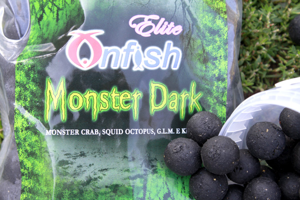 MONSTER DARK BOILIES ONFISH ELITE