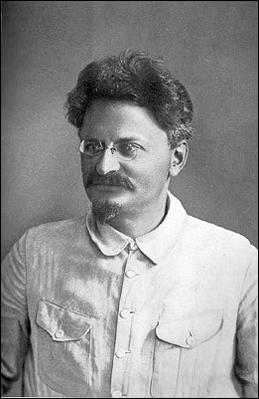 Lev Trotsky (1920)