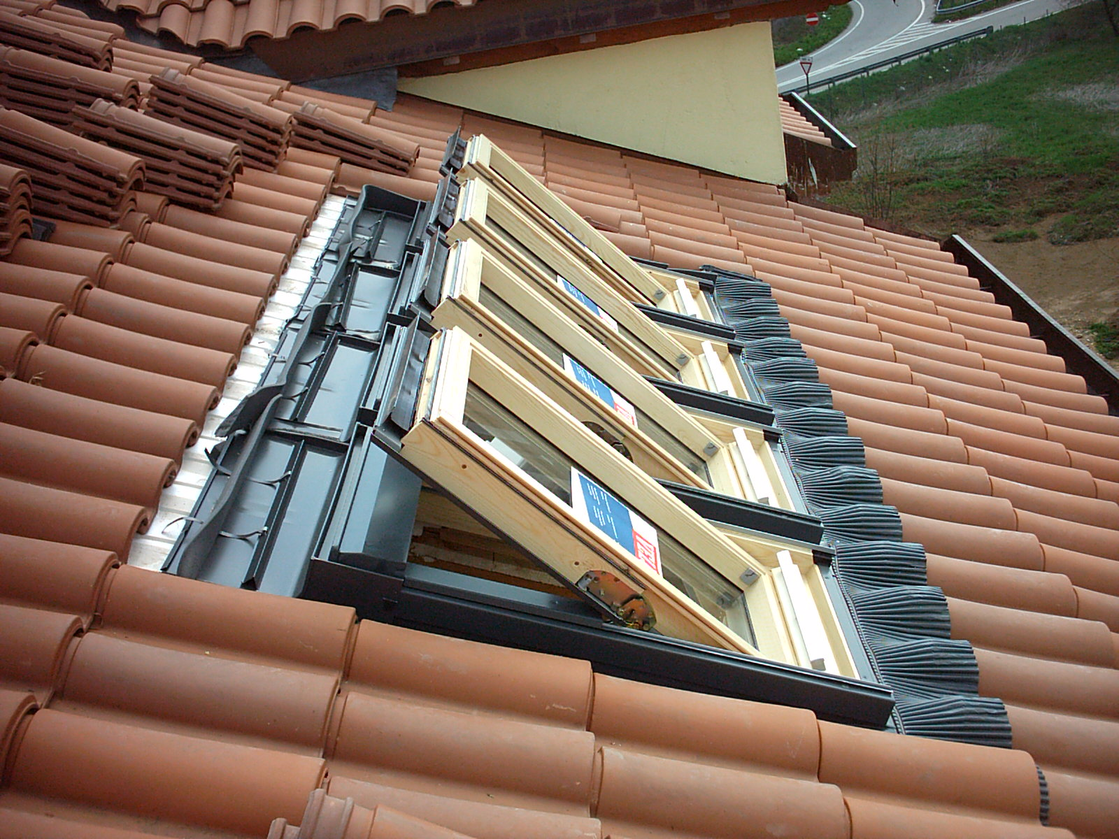 Finestre velux for Finestre tipo velux