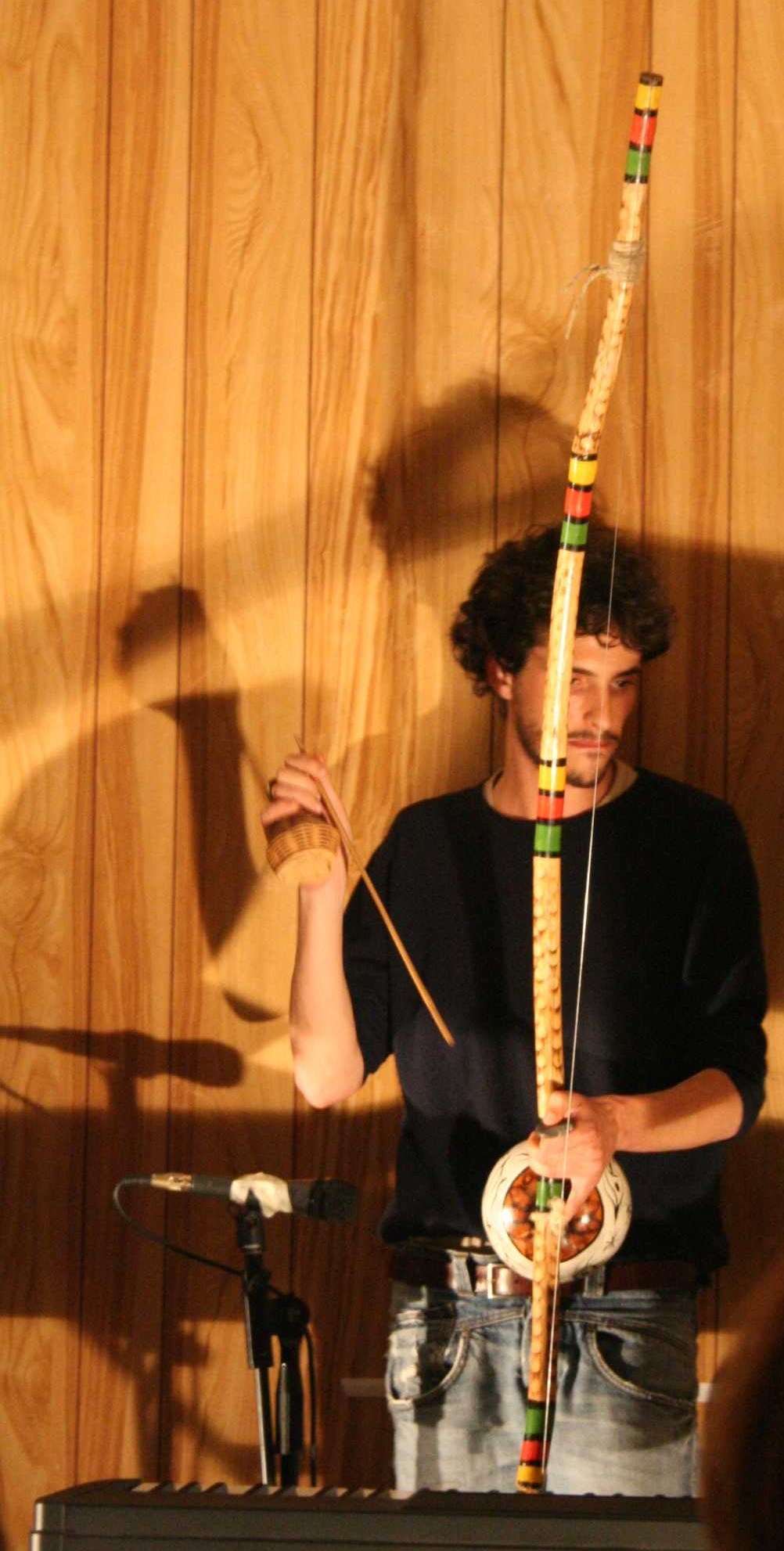 Playing Berimbau - theater piece Il Grande Tempio