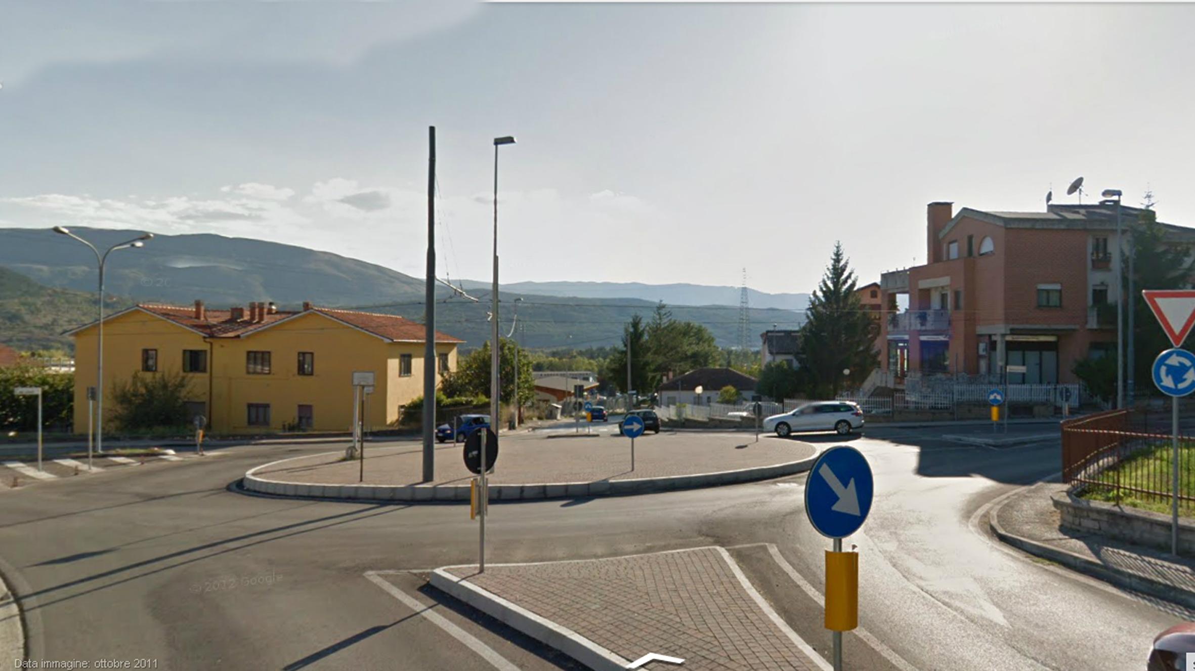 INT. C - VIA COMUNITA' EUROPEA