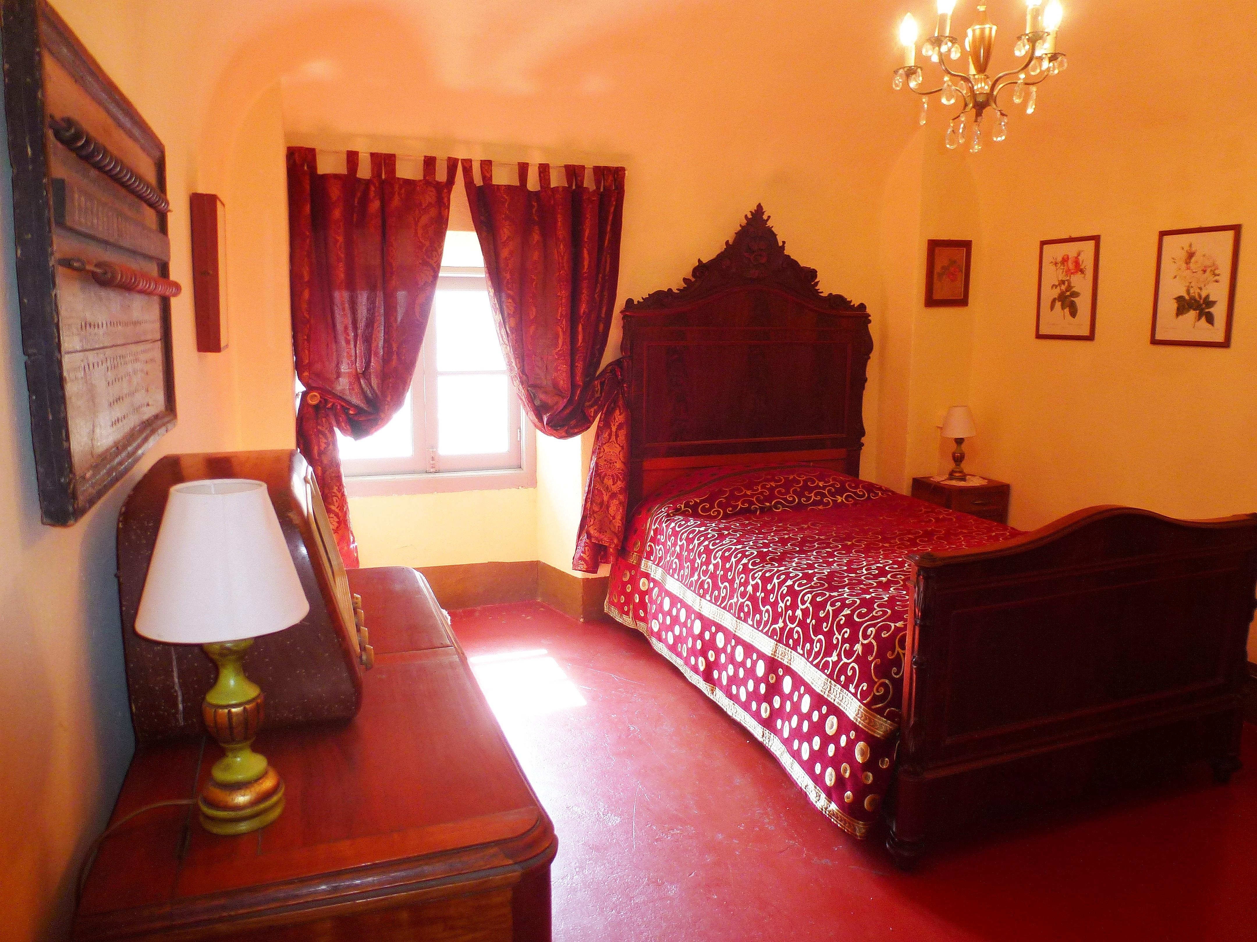 B&B Castello - Tel +39 388 844 4343 - Email info@ositaly.com - B&B nella casa della guardia del Castello di Tassarolo