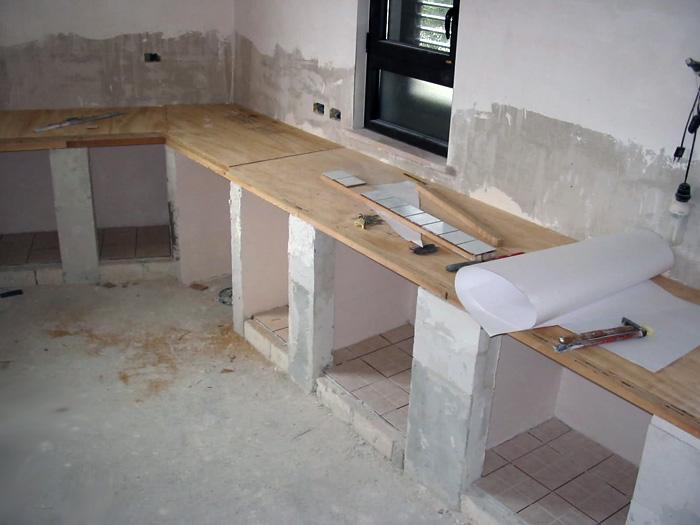 Lavori edili - Mattonelle 10x10 cucina in muratura ...