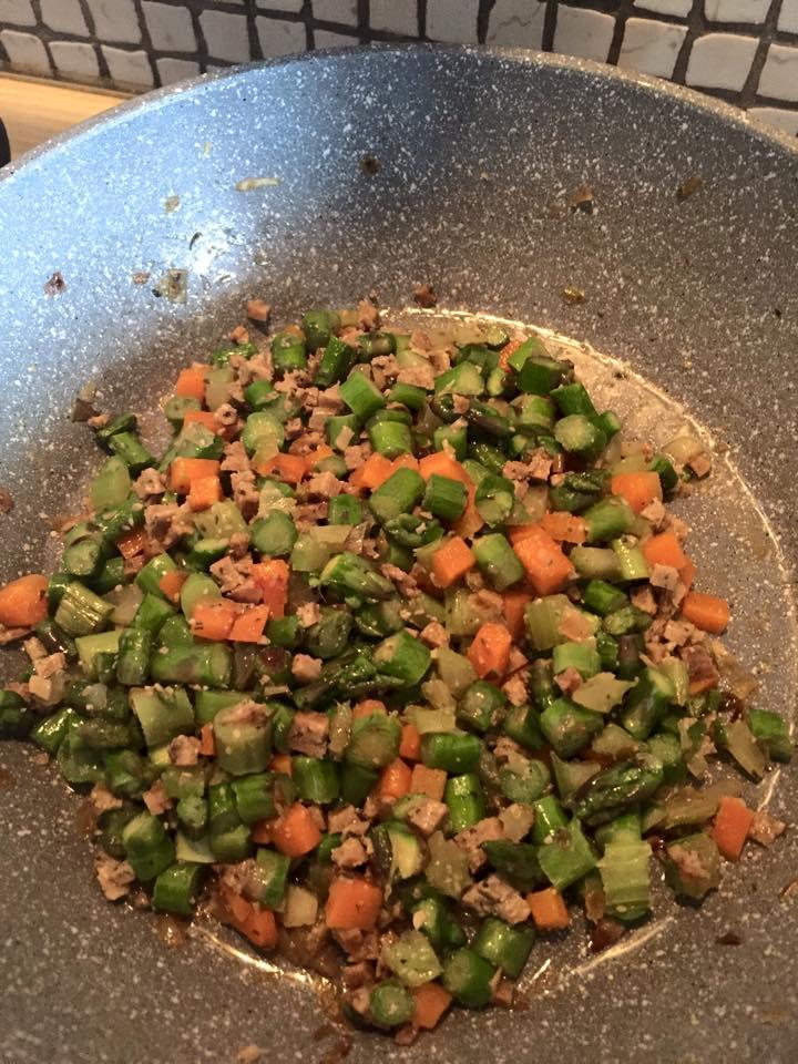carote sedano verza olive capperi tirati in padella antiaderente senza olio speciale pietra