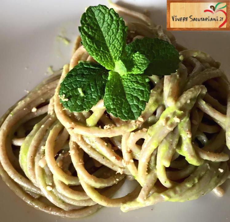 spaghetti avocado maggiorana ricetta vegetariana vegana