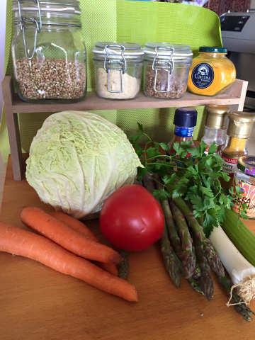 grano saraceno porri carote pomodori sedano asparagi erba cipollina prezzemolo gomasio