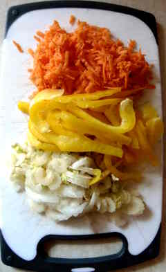 peperone carota sedano tagliere rondelle tagliati