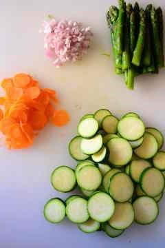 zucchine rondelle carote asparagi scalogno