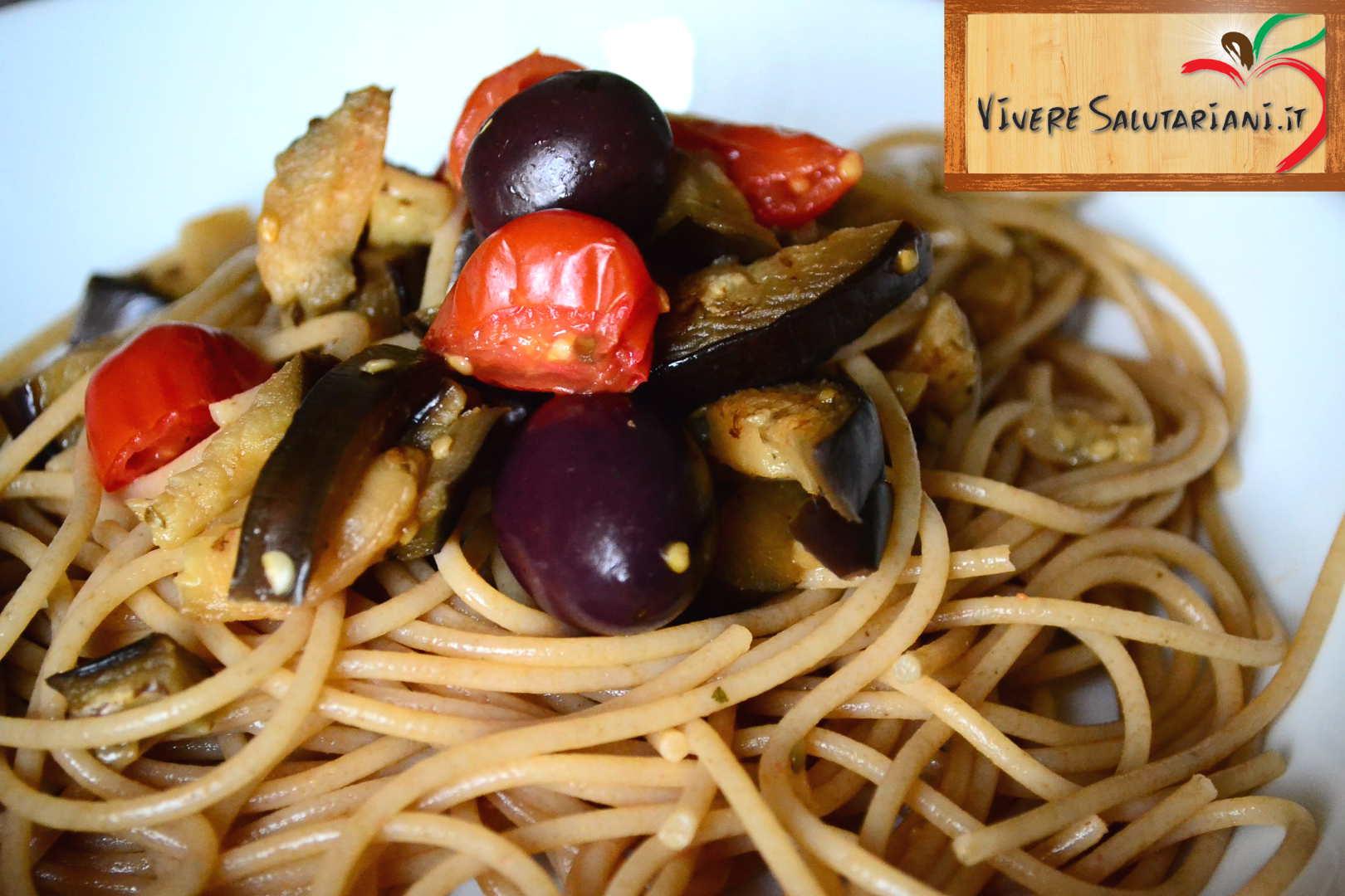 spaghetti pomodorini olive melanzane taggiasche olio ricetta vegetariana vegana