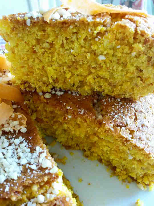 torta curcuma mandorle salutariana salutare ricetta buona