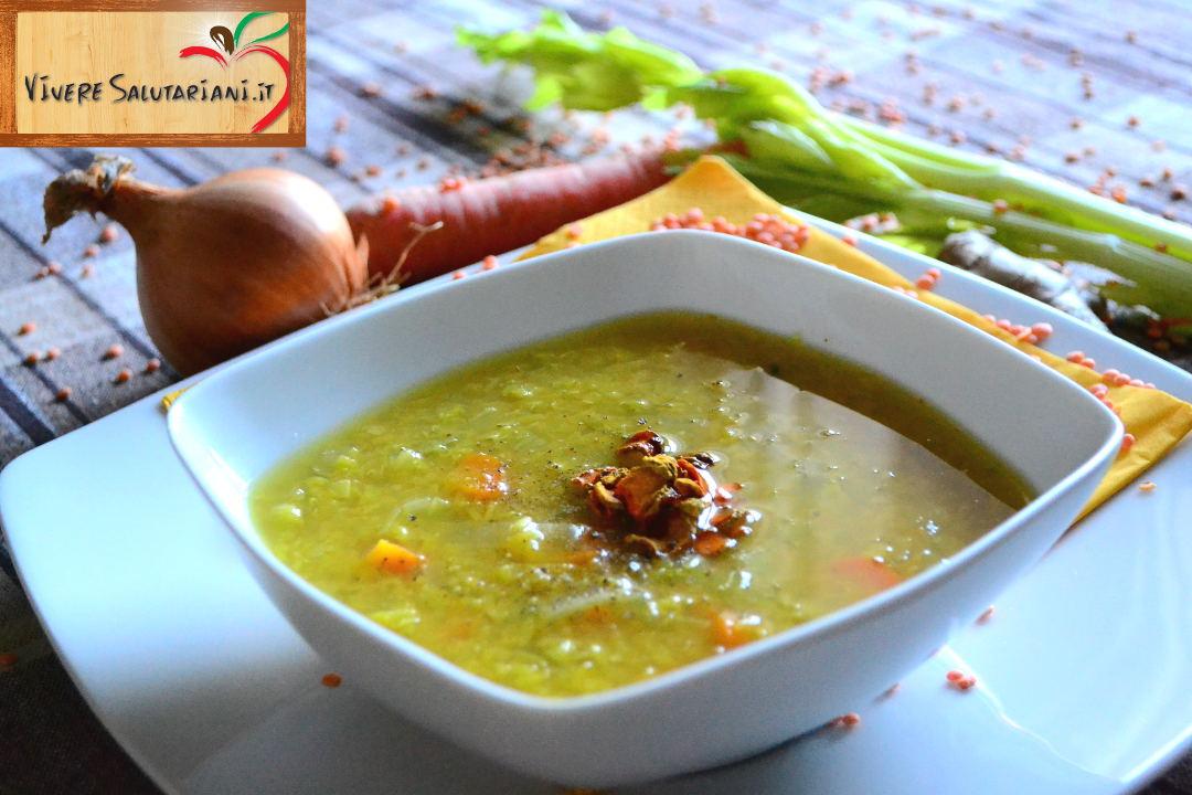 zuppa esotica legumi lenticchie curcuma scaglie polvere cipolla ricetta salutariana vivere salutariani