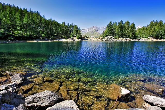 lago azzurro campodolcino