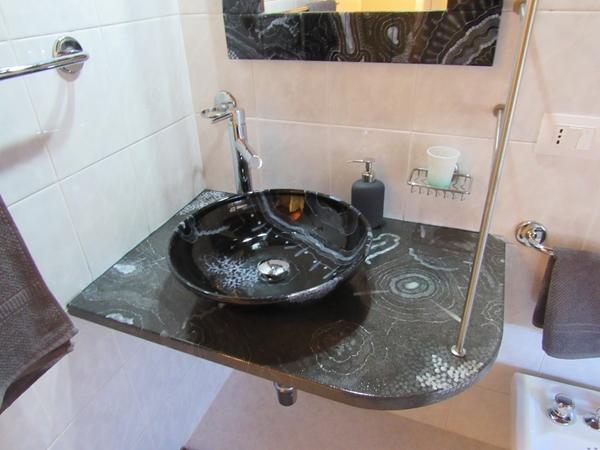 Modern black sink 1