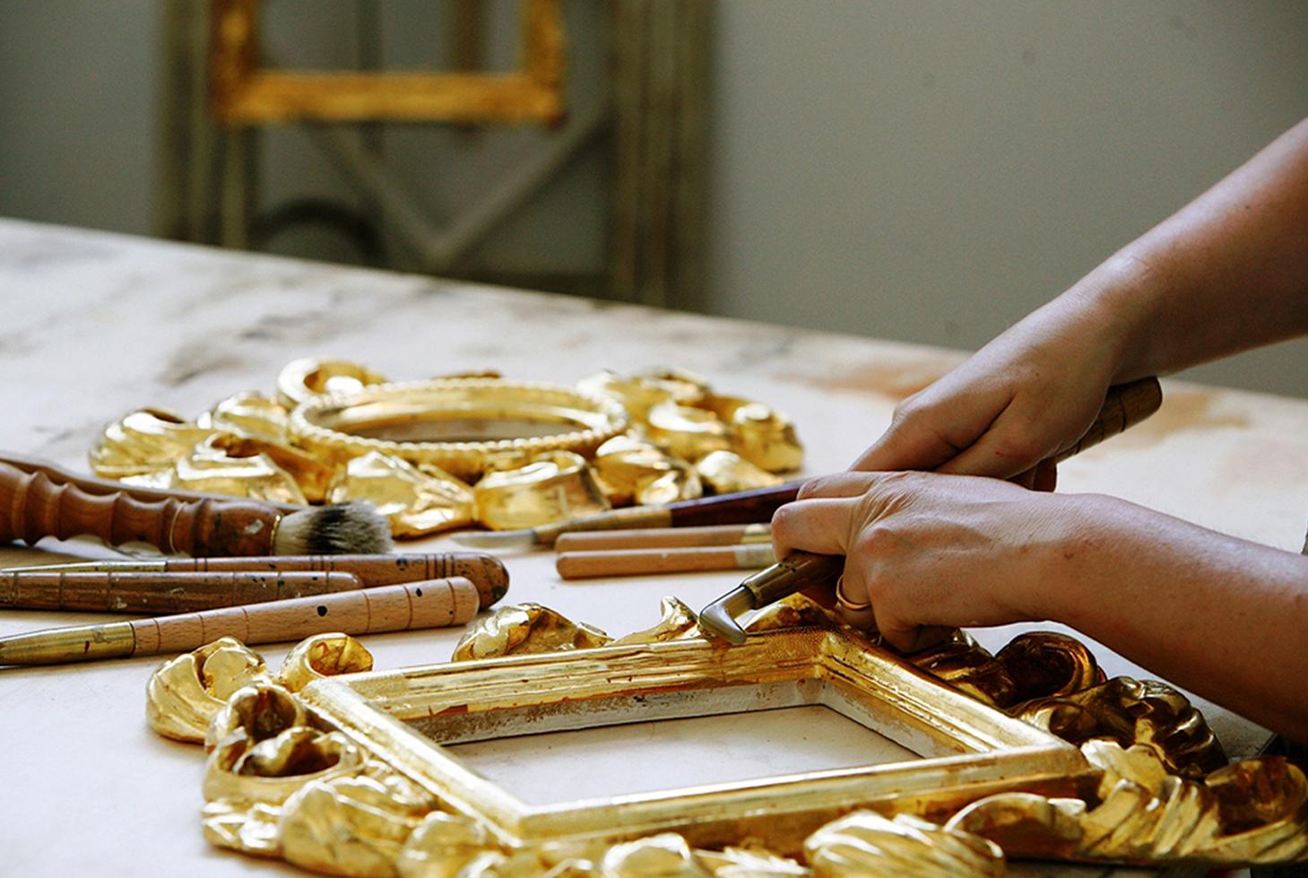mercatino di artigianato e collezionismo via brera centro storico di milano adiacente alla pinacoteca