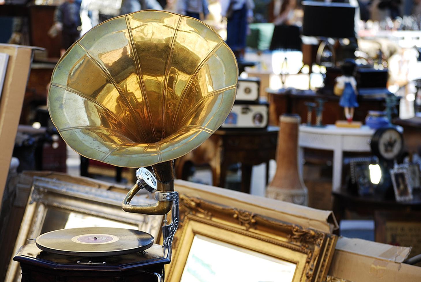 mostra mercati di antiquariato di piazza armando diaz centro storico di milano