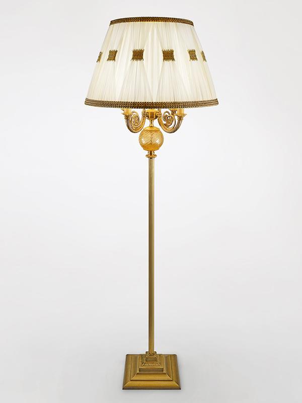 C312 - Cappelli per lampade da tavolo ...