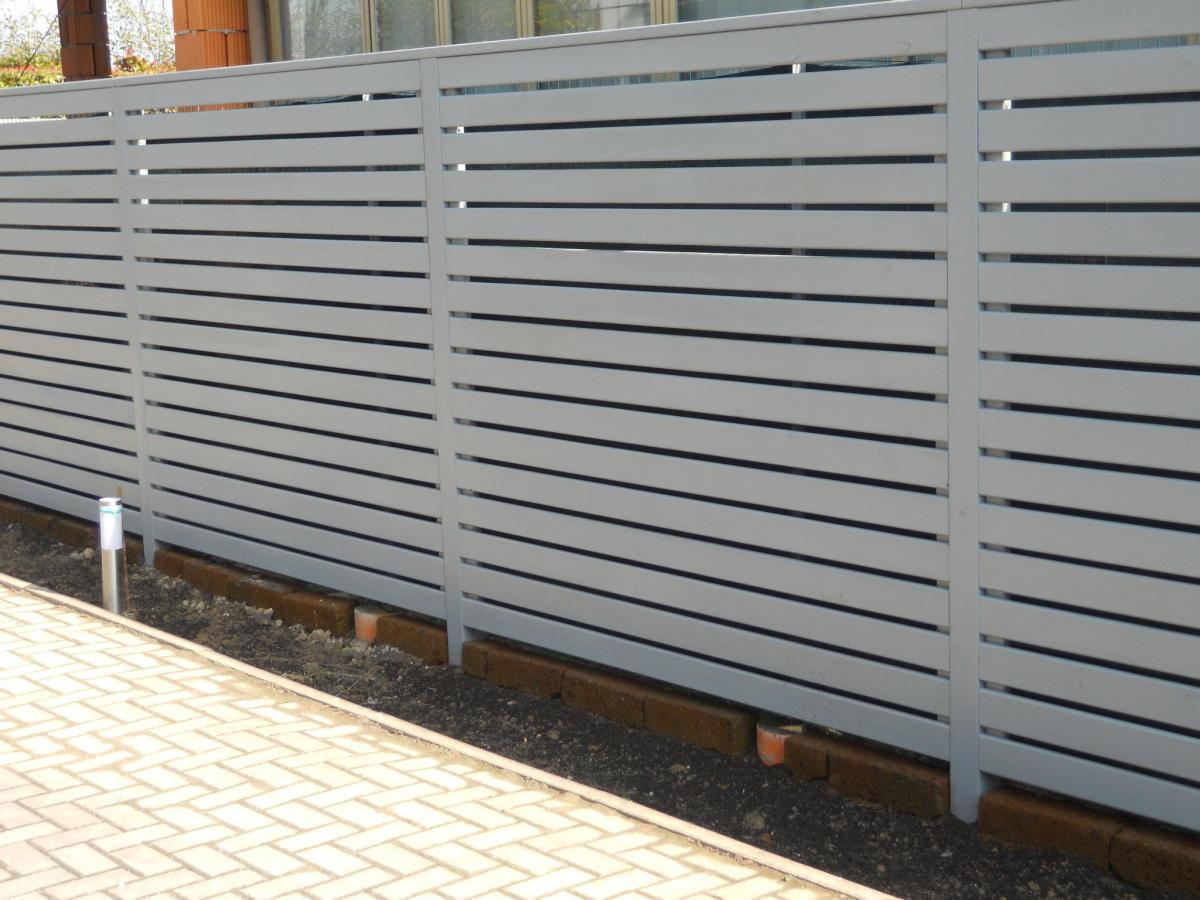 Divisori frangivista pannelli decorativi plexiglass - Pannelli divisori giardino ...