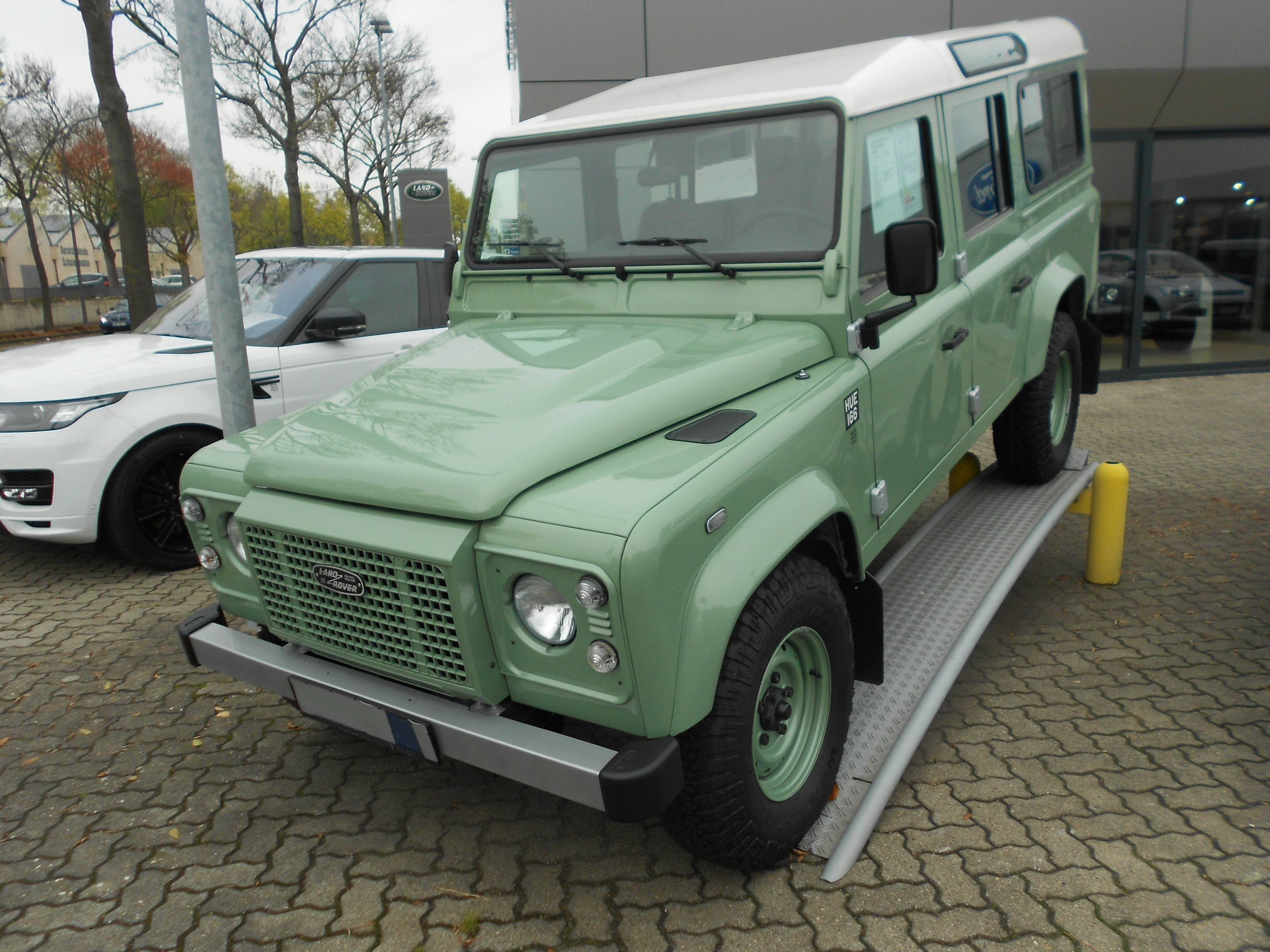 rovers snorkel dsc land steps with rack roof seats pin grey then defender dream pixel the jpg rest