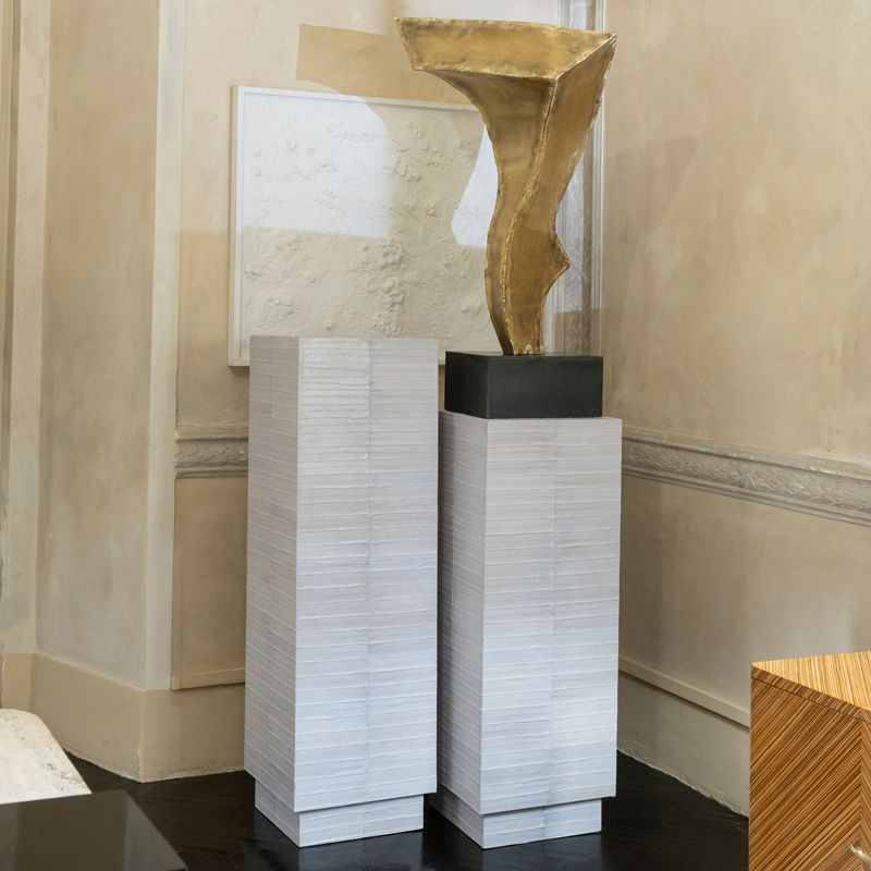 Tall Ivory Eel Skin Contemporary Pedestal, Italy 2019