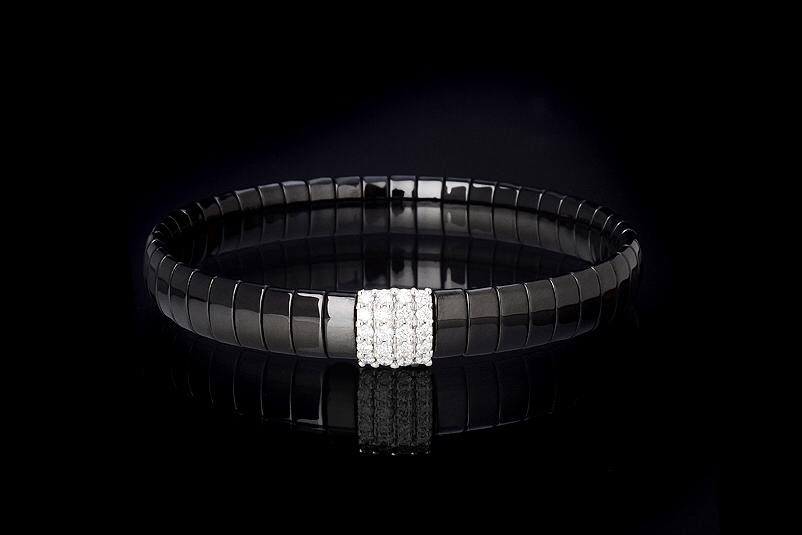 In White Gold 18Kt and White Diamonds -DB Ct. 0,048