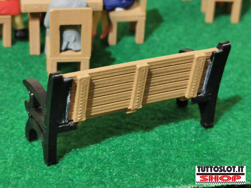 Panca color ferro e legno 1:32 4pz - Bench in iron and wood color 1:32 4 pcs