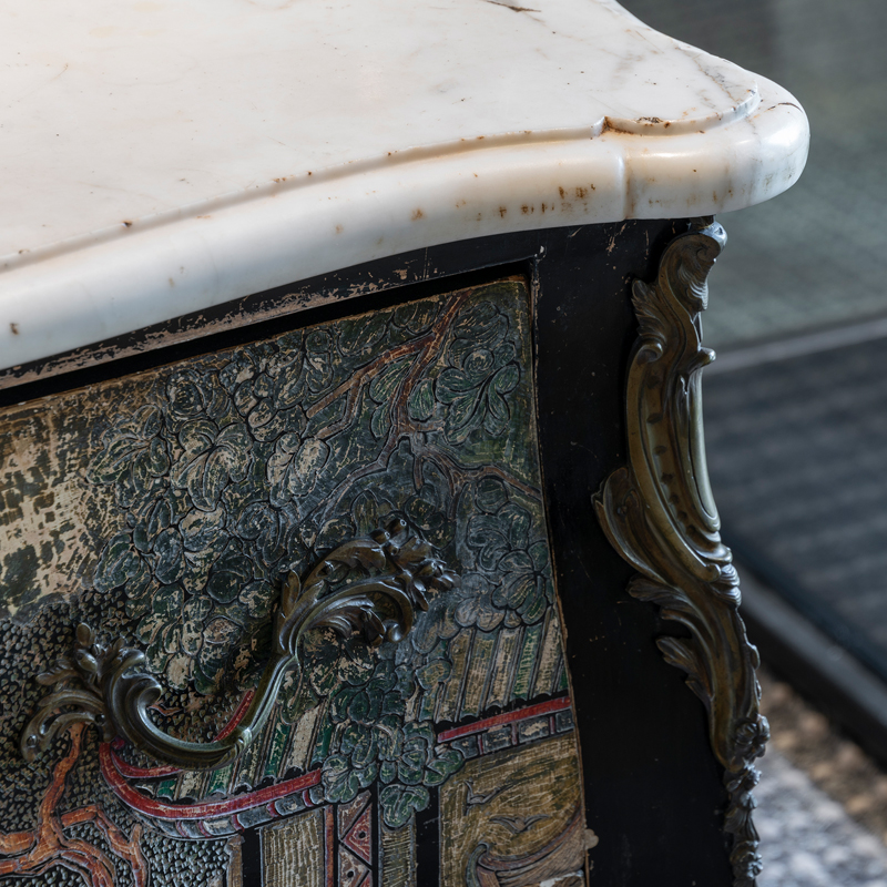 Early 20th Century Chinoiserie Chest of Drawers