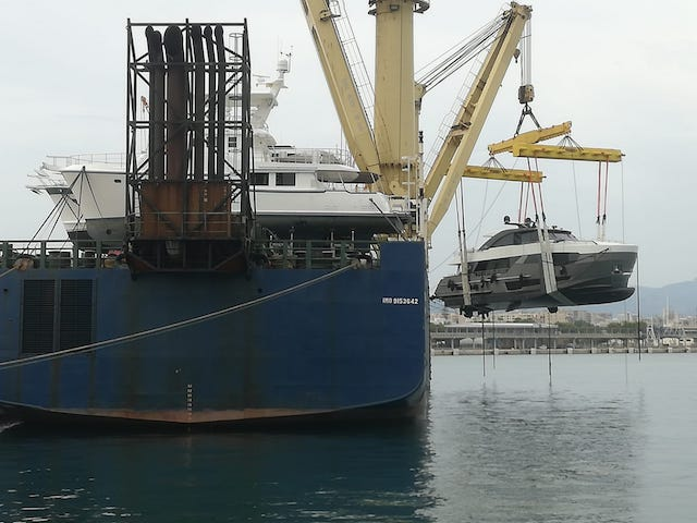 Charge OA 90R on vessel Palma de Mallorca