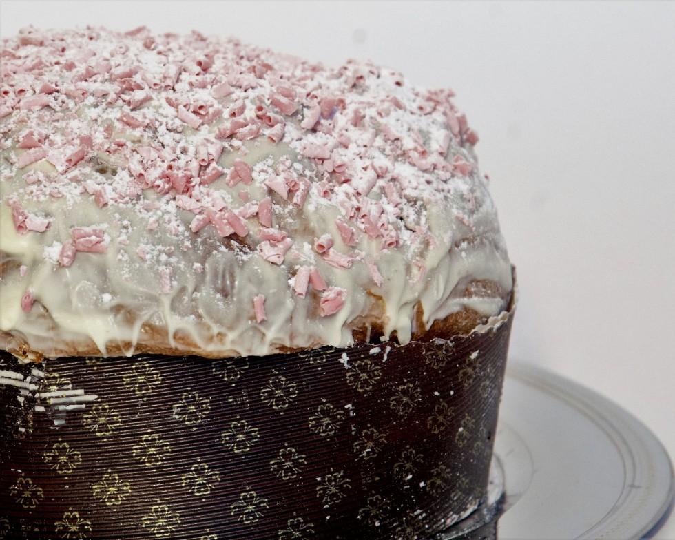Panettone lamponi e cioccolato bianco