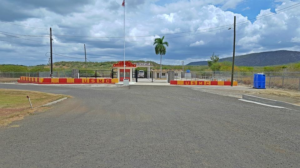 guantanamo-bay-gate-3261423_960_720jpg