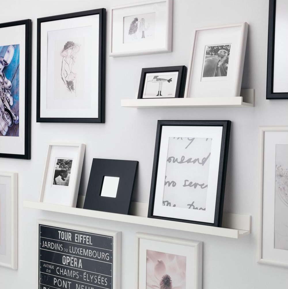 Idee-per-decorare-una-parete-con-le-mensole-fotografie-ikeaJPG