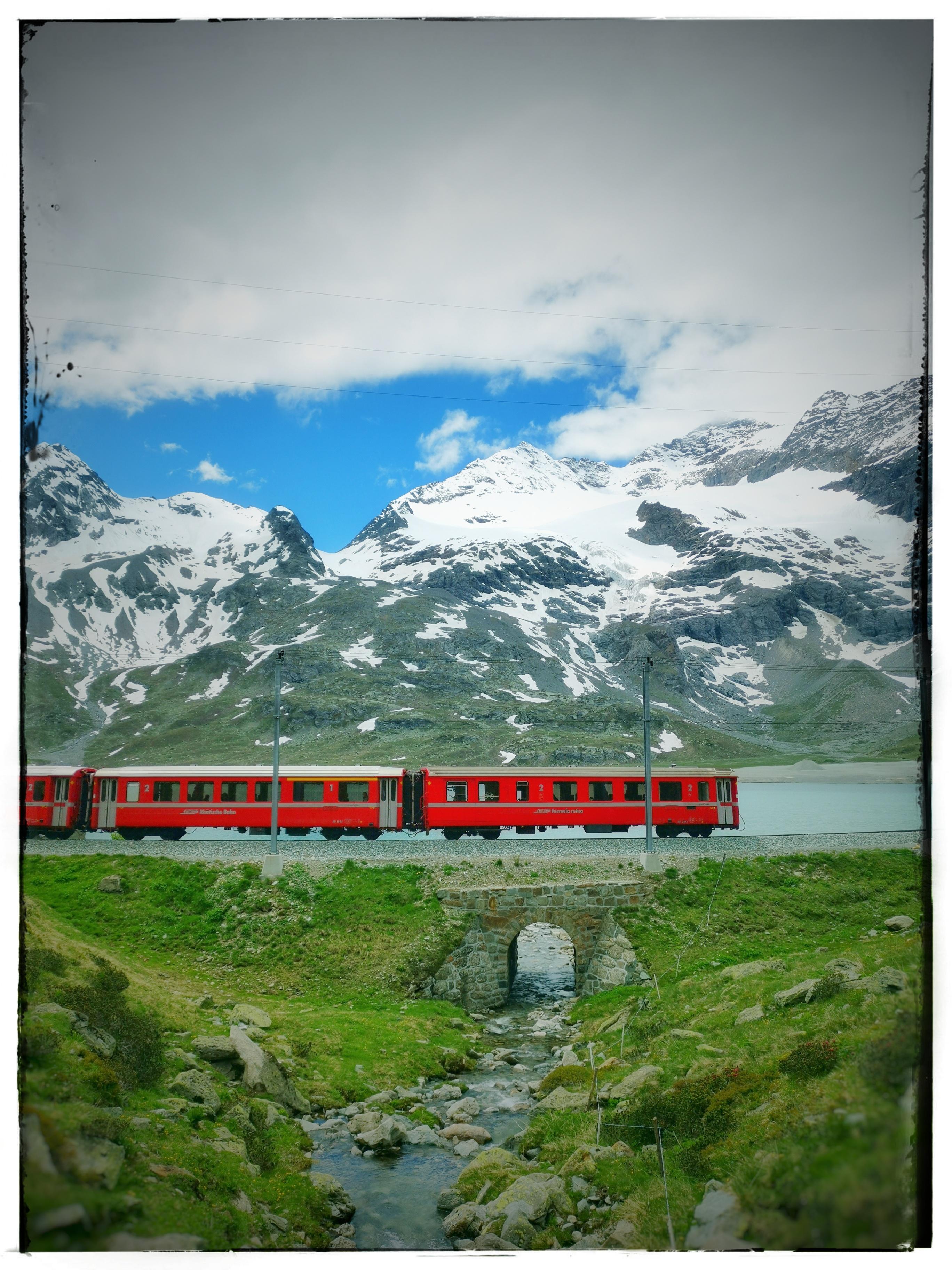 Treno del Bernina a 2328 m slm jpeg