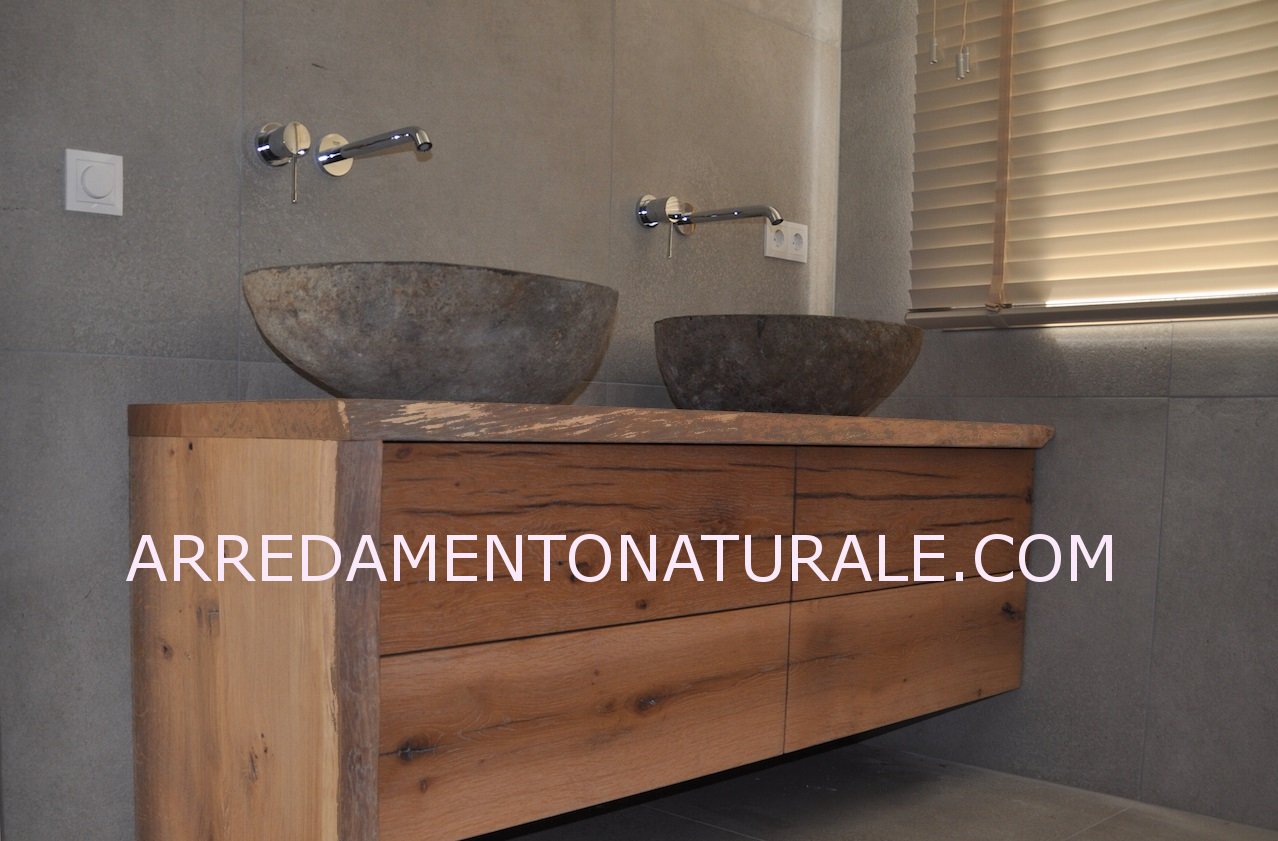 Mobili da bagno in legno massello su misura con essenze pregiate teak rovere larice - Mobile legno bagno ...