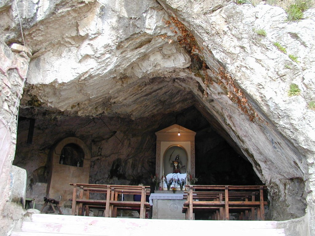 grotta_san_michelejpg